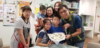"Volunteers of CSPS programme celebrate the Mid-Autumn Festival with the beneficiaries through making ""snow-skin"" mooncake together."